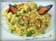 La ricetta che voglio proporre oggi è un risotto semplice e saporito: il risotto con asparagi, cozze e zafferano!Adoro il risotto