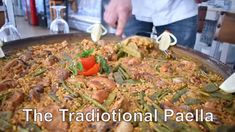 Paella Party, Paella Valenciana, Spanish Paella, Dinner Recipes, Beef, Traditional, Chicken, Youtube, Food