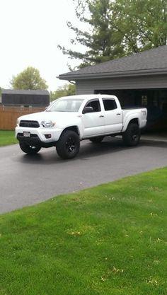 Fj Cruiser Off Road, 4runner Trail, Tacoma World, Custom Headlights, Toyota Tacoma Trd, White Truck, Toyota Trucks, Super White, New Tyres