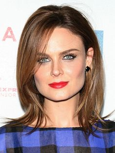Emily Deschanel Hairstyles - April 25, 2009 - DailyMakeover.com