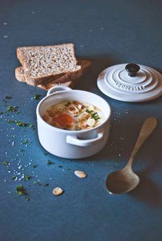 """Uova in cocotte con zucca, lou bergier e mandorle croccanti - Ricetta tratta dal blog di @monpeti :""""www.monpetitbistrot.com/"""" - Mini cocotte in gres smaltato colore cotton @LeCreusetItalia #food #uova #eggs #cocotte #zucca #mandorle #pumpkin #white"""
