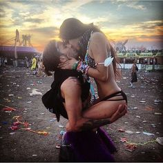 Rave couples post from 🎶See the smoke when the sun shines We will forever be faded under gold skies Captivated in your cold…