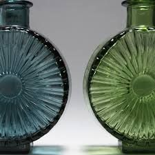 Aurinkopullo vases by Helena Tynell -Vintage Finnish Glass - my mom has one of these! Sand Casting, Pretty Good, It Cast, Finland, Glass, Bottles, Mom, Vintage, Design