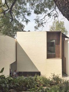 architettura minimalista design You Trust Modern Architecture Design, Minimalist Architecture, Facade Design, Modern Buildings, Interior Architecture, House Design, Classical Architecture, Landscape Architecture, Planer