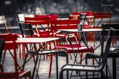 From Nantes-Cedric Blondeel-Chaises rouges 90-60.jpg