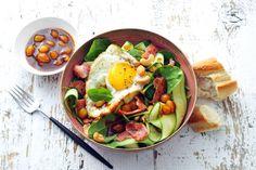 Spinazie is ook heel geschikt om als sla te eten. Lekker met knapperige cashewnoten! - recept - Allerhande