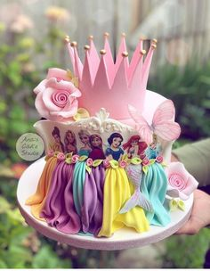 Cupcakes Princesas, Disney Princess Birthday Cakes, Christmas Cake Designs, Cake Blog, Cute Cakes, Cake Art, Party Cakes, Beautiful Cakes, Cupcake Cakes