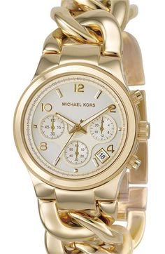 This Michael Kors women's MK3131 watch combines eye-catching style with extreme functionality. This timepiece is meticulously crafted of goldtone stainless steel with a twisted style bracelet. Accent