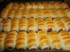 Sós hot dog A virslit tésztában megsütve már sok helyen láttam, van, aki… Croatian Recipes, Hungarian Recipes, Hungarian Food, Meat Recipes, Cake Recipes, Cooking Recipes, Hot Dog Buns, Hot Dogs, Bread Dough Recipe