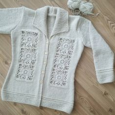 Diy Crafts - -Ready to wear ? Ready to wear ? Crochet Baby Jacket, Crochet Vest Pattern, Knit Patterns, Crochet Dress Outfits, Crochet Cardigan, Crochet Clothes, Crochet Girls, Crochet Woman, Grey Knit Cardigan