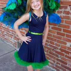 Pretty Peacock Costume - The Feather Place Peacock Costume Kids, Peacock Halloween, Bird Costume, Halloween 2018, Halloween Kids, Halloween Party, Animal Costumes, Diy Costumes, Halloween Costumes