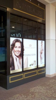 Window Front at the Westchester Mall in White Plains