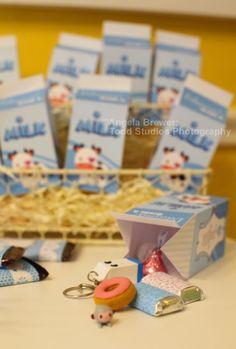 How cute is this! Milk Carton goodie bags! DIY PDF for $5 on etsy    http://www.etsy.com/listing/74357137/0027-five-kawaii-milk-carton-editable