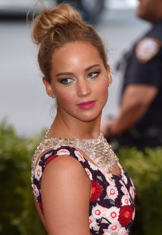 Jennifer Lawrence's off-duty dress barely touches her body