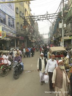 The narrow alleyways and streets of Chandni Chowk Delhi India | by WanderingPhotosPJB