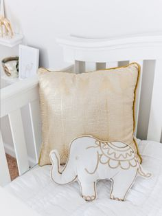 A Heavenly White & Gold Nursery - Style Me Pretty Gold Nursery, Nursery Modern, White Nursery, Nursery Neutral, Nursery Room, Nursery Decor, Nursery Ideas, Nursery Pictures, Bedroom Ideas