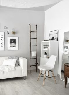 See new Studio style with a updated Art Prints, new wall color and natural elements. Small Bedroom Colours, Bedroom Paint Colors, Small Room Bedroom, Paint Colors For Home, Living Room Colors, Home Living Room, Master Bedroom, Small Bedroom Inspiration, Home Decor Inspiration