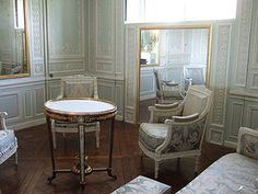 Google Image Result for http://colorindesign.net/wp-content/uploads/2010/05/pale-blue-sitting-room-petit-trianon.jpg