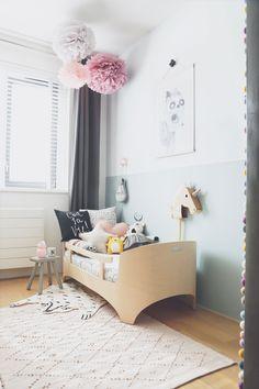 De kamer kreeg een flinke make over; van roze naar blauw en toch meisjesachtig blijven.