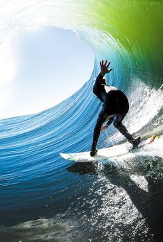 Surf and Skate — surf4living:   Tucked in. Photo by Leroy Bellet