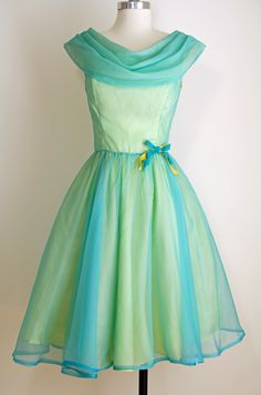An Iridescent Teal and Sea Green Party Dress -- I adore these draped necklines! Vintage Party Dresses, 50s Dresses, Prom Party Dresses, Pretty Dresses, Evening Dresses, Vintage Outfits, Girls Dresses, Dress Vintage, Dresses 2016