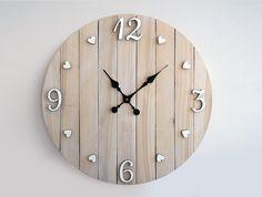 Este post puede servirte de inspiración para crearte tu propio reloj de pared, sin duda, una maravillosa creación que no dejará indiferente a nadie y que decorará como pocas cosas la pared de la es…