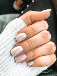 The advantage of the gel is that it allows you to enjoy your French manicure for a long time. There are four different ways to make a French manicure on gel nails. The choice depends on the experience of the nail stylist… Continue Reading → Nagel Tattoo, Milky Nails, Chrome Nail Art, White Chrome Nails, White Sparkle Nails, White Gel Nails, Chrome Nails Designs, White Nail Art, Gray Nails