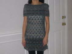 Teal_cowl_tunic_001_small2