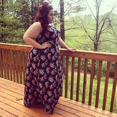 "633 Likes, 13 Comments - Megan - CurvesCurlsandClothes (@curves_curlsandclothes) on Instagram: ""Happy Easter Everyone! I'm enjoying my day with family in this beautiful @rebdolls maxi dress!…"""