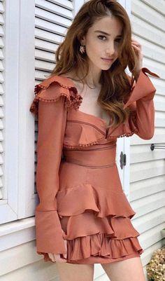 Turkish Men, Turkish Beauty, Turkish Actors, These Girls, Ponytail Girl, Amazing Halloween Makeup, Couple Aesthetic, Dress Skirt, Hair