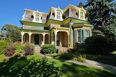 If you're looking for a Victorian house on a large lot, head up to Weston to this stately home at 125 Rosemount Avenue. The curb appeal of this hou. Toronto Photography, Street Photography, Modern Log Cabins, Victorian Homes, Architecture, Curb Appeal, Ontario, Landscape, House Styles