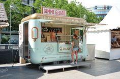Pizza Food Truck, Coffee Food Truck, Food Trucks, Cafe Shop Design, Small Cafe Design, Small Food Trailer, Foodtrucks Ideas, Starting A Food Truck, Mobile Coffee Shop