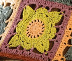 This Willow look-alike square is a free pattern included in a free e-book download for 7 crochet bags & purses.   . . . .   ღTrish W ~ http://www.pinterest.com/trishw/  . . . .