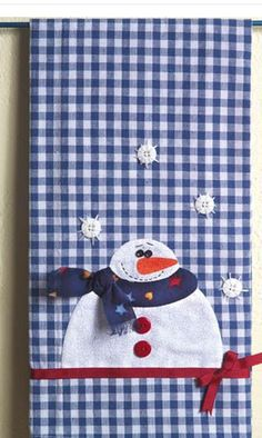 Snowman Tea Towel - Crafts 'n Things Snowman Crafts, Christmas Projects, Holiday Crafts, Felt Snowman, Applique Towels, Applique Patterns, Christmas Sewing, Christmas Crafts, Christmas Towels