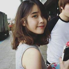 IU shoulder length hair - so cute! Korean Hairstyle Short Shoulder Length, Iu Short Hair, Korean Short Hair, Shoulder Length Hair, Short Hair Cuts, Ulzzang Hair, Korean Haircut, Oppa Gangnam Style, Korean Celebrities