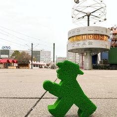 A very popular spot in Alexanderplatz! :D #LittleGreenMan #AmpelmannWorld #FollowAmpelmann #ampelmannLifestyle #Berlin