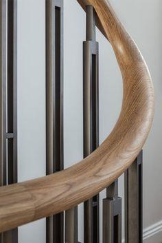 Pergola For Small Patio Metal Stair Railing, Timber Staircase, Staircase Handrail, Stair Railing Design, Foyer Design, House Design, Grades, Interior Stairs, Villa