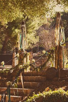 Article: A Magical Game of Thrones and Lord of the Rings Wedding   Photography: Alexandra Nurthen   Read More:  http://www.insideweddings.com/news/celebrity-style/a-magical-game-of-thrones-and-lord-of-the-rings-wedding/1872/