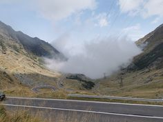 Are you ready for something amazing? Transfagarasan road is worth conquering! Places Around The World, Around The Worlds, Top 5, Mai, Romania, Montana, Transportation, Beautiful Places, Country Roads