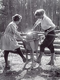 Women's Forestry Corps, UK 1918