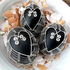 Fler MAG: Vejce a my? Zkuste to letos jinak! Egg Tree, Egg Decorating, Wire Art, Three Dimensional, Easter Eggs, Handmade, Crafts, Luxury, Skeletons