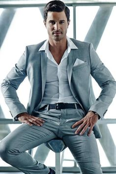 The Best Luxury Brands, Clothing, Accessories , You Can Buy Online Right Now - Herren- und Damenmode - Kleidung Sharp Dressed Man, Well Dressed, Raymond Suit, Best Shirt Brands, Moda Chic, Komplette Outfits, Herren Outfit, Casual Styles, Suit And Tie