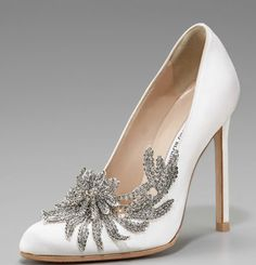 Carolina Herrera & Manolo Blahnik collaboration shoes for Bella's Swan wedding shoes in Twilight. <3