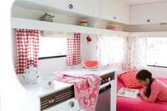Oude KIP caravans worden helemaal opgeknapt door Maartje, te koop en ook te huur http://www.indehippekip.nl/page/campingtips