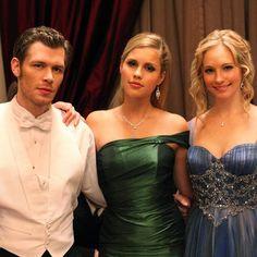Klaus, Rebekah or Caroline? Vampire Diaries Fashion, Vampire Diaries Quotes, Vampire Diaries Wallpaper, Vampire Diaries Cast, Vampire Diaries The Originals, Vampire Barbie, The Vampires Diaries, The Originals Tv, Candice King