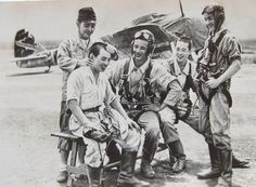 Japanese fighter pilots - japanese army air force ki-43 fighter pilots in an airfield (burma 1942)