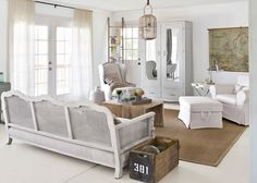 Country chic living room ideas with antique mirrored door wardrobe | Decolover.net