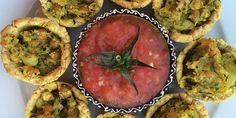 נגיסי תפו״א וחומוס בסגנון הודי מתובל היטב בהמווון תבלינים