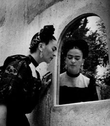 Frida Kahlo and Diego Rivera - their life and work - sightseeing tour in Mexico City