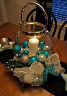 50 Christmas Centerpiece Decorations Ideas For This Year - Decoration Love Coastal Christmas, Silver Christmas, Noel Christmas, Christmas Projects, All Things Christmas, Simple Christmas, Holiday Crafts, Holiday Fun, Elegant Christmas